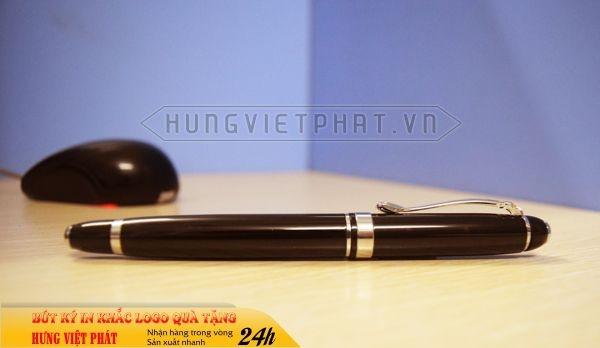 BKV-003-but-kim-loai-in-khac-logo-doanh-nghiep-lam-qua-tang1-1471248755.jpg