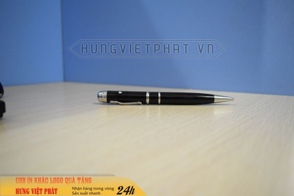 BUV-301-mau-den-But-USB-laser-3in1-khac-logo-lam-qua-tang-khach-hang-1-1474516967.jpg