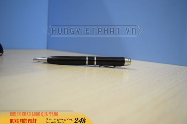 BUV-301-mau-den-But-USB-laser-3in1-khac-logo-lam-qua-tang-khach-hang-2-1474516968.jpg
