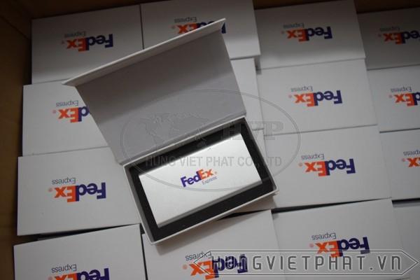 Fedex-aj22560aaf-3-1502781472.jpg