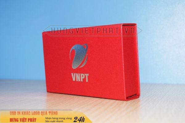 Hop-nam-cham--mau-do-dung-usb-in-logo-doanh-nghiep-lam-qua-tang-khach-hang-3-1474517667.jpg