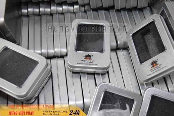 KTX-002-Hop-nam-cham-in-khac-logo-theo-yeu-cau-lam-qua-tang-su-kien-3-1474517916.jpg