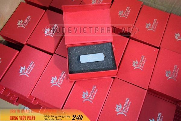 KTX-002-Hop-nam-cham-in-khac-logo-theo-yeu-cau-lam-qua-tang-su-kien-6-1474518300.jpg