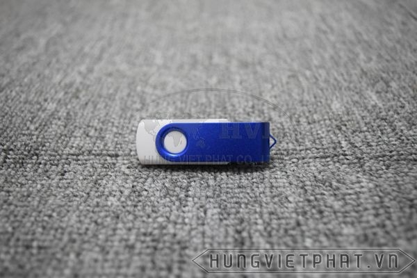 KTX-M---USB-in-khac-logo-Astrazeneca-lam-qua-tang-9-1497435664.jpg