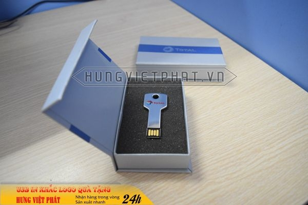 UCV-001-usb-chia-khoa-qua-tang-in-khac-logo-doanh-nghiep-1470647315.jpg