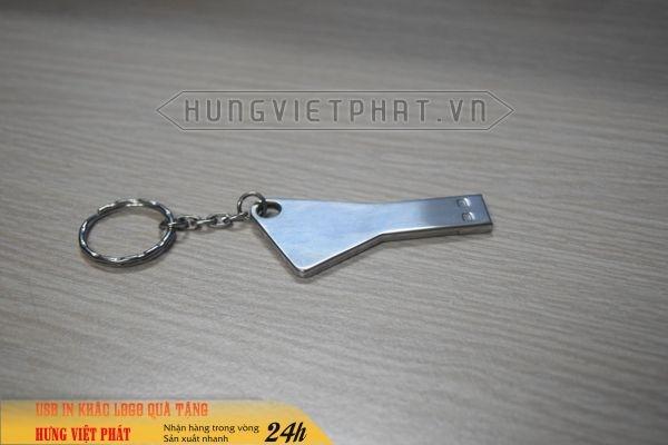 UCV-005---usb-chia-khoa-khac-logo-cong-ty-lam-qua-tang-khach-hang-2-1474452088.jpg