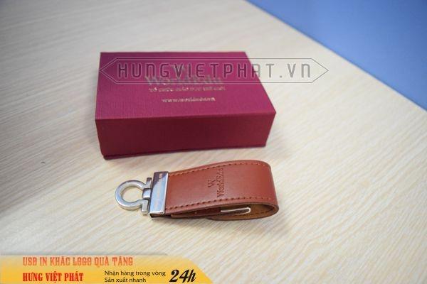 UDV-001---USB-Da-Nau-dap-logo-cong-ty-lam-qua-tang-khach-hang-1-1474452089.jpg