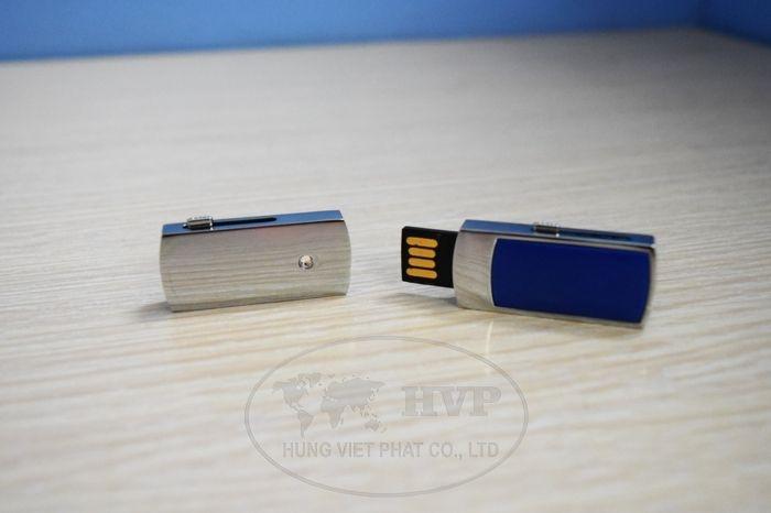 UKV-006-in-logo-lam-qua-tang-khach-hang-1-1529124504.jpg