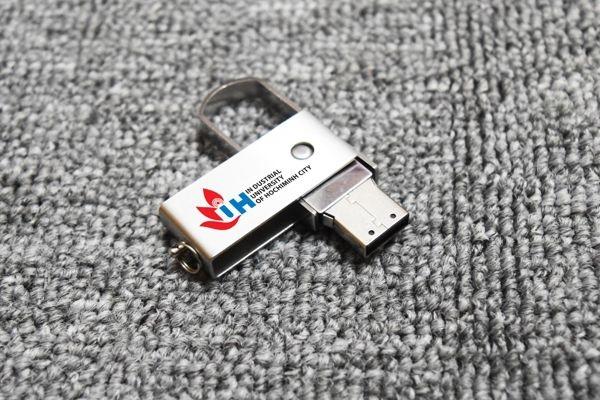 UKV-021-usb-kim-loai-in-khac-logo-lam-qua-tang-quang-cao-doanh-nghiep-2-1491529078.jpg