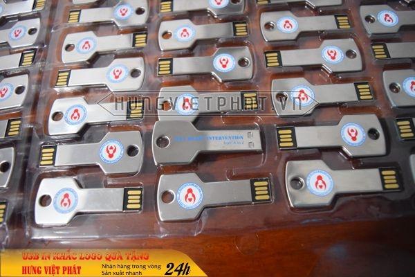 qua-tang-USB-in-khac-logo-13-1468035451.jpg