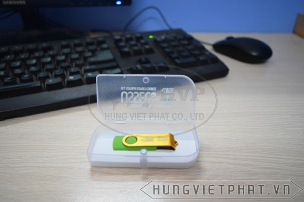 KTX-M---USB-in-khac-logo-Astrazeneca-lam-qua-tang-2-1497435660.jpg