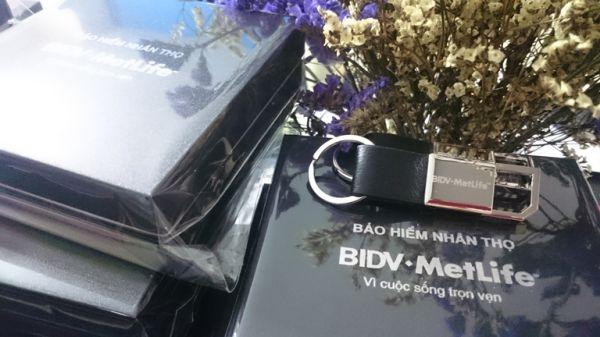 MDV-001-Moc-khoa-da-in-logo-khac-logo-lam-qua-tang-5-1515571444.jpg