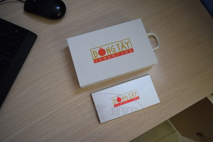 PKV-003-qua-tang-pin-sac-in-logo-dong-tay--1-1529120855.jpg