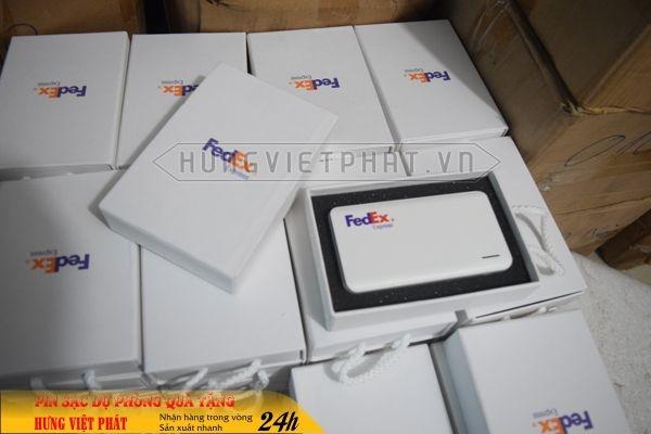 Qua-tang-pin-sac-du-phong-in-khac-logo-5-1468035749.jpg