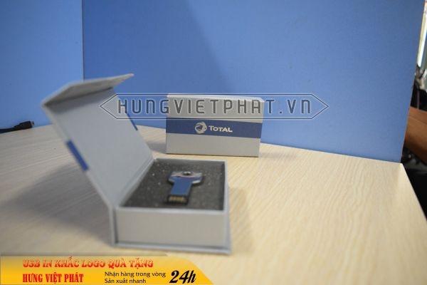 UCV-001-usb-chia-khoa-qua-tang-in-khac-logo-doanh-nghiep1-1470647314.jpg