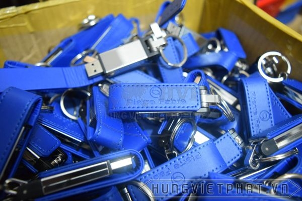 UDv-005-xanh-duong-dam-1-1490608840.jpg