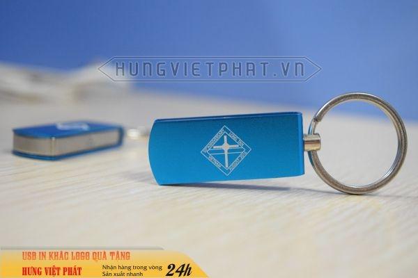 UKV-008-usb-kim-loai-khac-logo-lam-qua-tang-khach-hang-2-1474452099.jpg