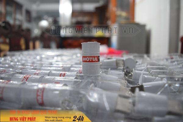 USB-do-khuon-thung-phi-Dau-nhot-motul-2-1474452103.jpg